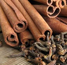 Sexy-Cinnamon-Clove-Fragrance-oil__91437.1443037983.350.350.jpg